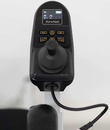 Elektryczny wózek inwalidzki Airwheel H3P+GPS (3)