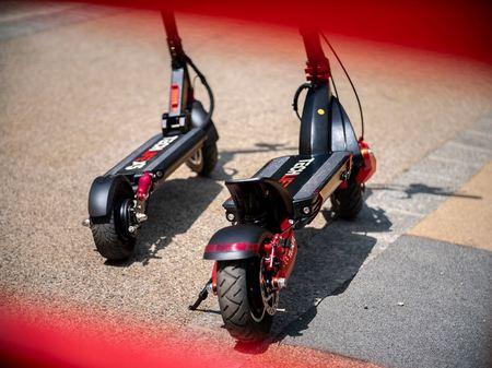 Hulajnoga elektryczna Techlife X5S 350W 18Ah (12)