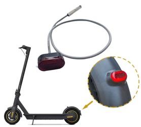 Lampka LED na tylny błotnik do hulajnogi Motus Scooty 10