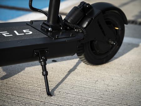 Hulajnoga elektryczna z siodełkiem Techlife L5T 350W (12)